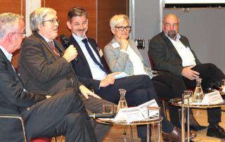 v. li. n. re.: Uwe Meinberg, Minister Steinbach, Steffen Kammradt (WFBB), Barbara Lenz, Klaus-Günter Lichtfuß.