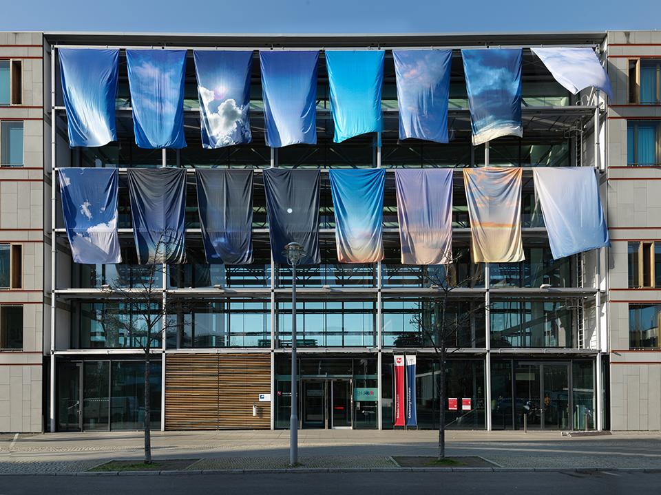 """""""One Sky Flags. Deutschland"""", 2021 Foto: Bernd Borchardt für die LV Niedersachsen"""