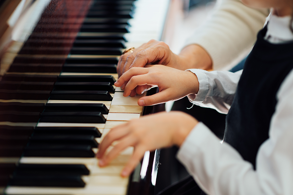 Klavier, Foto: Adobe Stock - Dmytro Vietrov