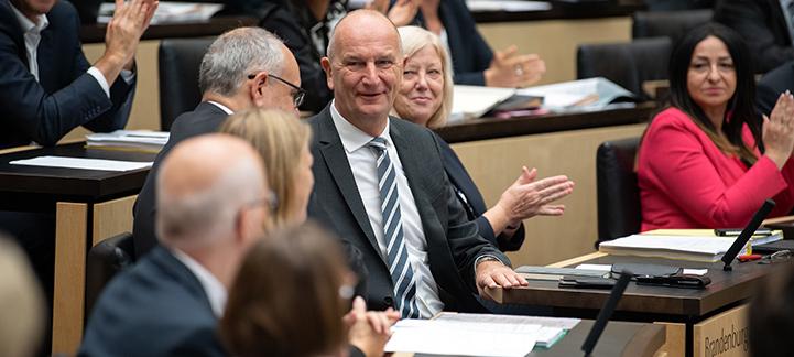 Die Brandenburger Bank im Bundesrat (Foto: Wahl von Dietmar Woidke zum Bundesratspräsidenten (Foto: picture alliance/Soeren Stache)