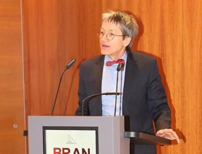 Moderator Ernst Elitz