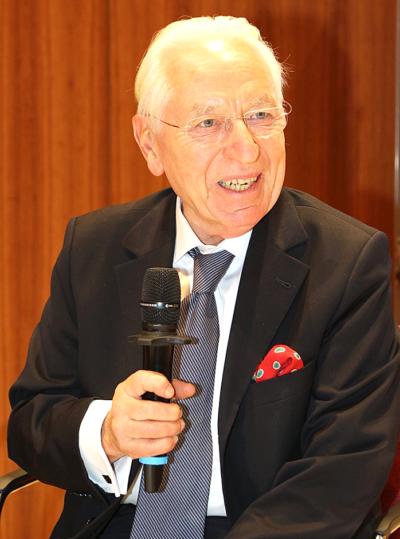 Prof. Dr. Christopher Kopper